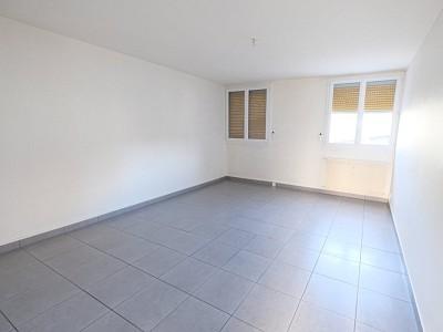 APPARTEMENT T3 A VENDRE - ST ETIENNE CARNOT - 60,57 m2 - 70000 €