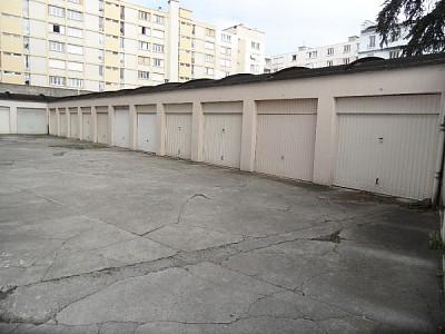 GARAGE A LOUER - ST ETIENNE CENTRE VILLE - 60 € charges comprises par mois