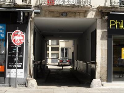 GARAGE A LOUER - ST ETIENNE PREFECTURE - 60 € charges comprises par mois