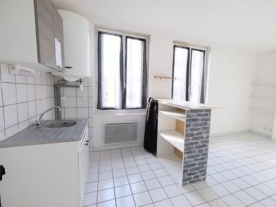 APPARTEMENT T2 A LOUER - ST ETIENNE FAURIEL - 37,52 m2 - 310 € charges comprises par mois