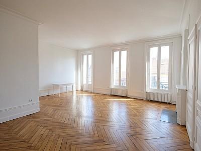 APPARTEMENT T3 A LOUER - ST ETIENNE BADOUILLÈRE - 99,49 m2 - 740 € charges comprises par mois