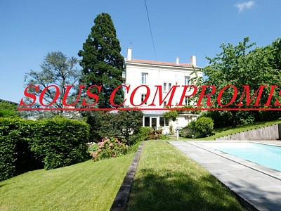 MAISON A VENDRE - ST ETIENNE FAURIEL - 365 m2 - 539000 €