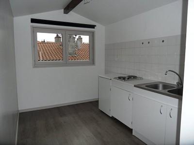 APPARTEMENT T1 A LOUER - ST ETIENNE BADOUILLÈRE - 23 m2 - 295 € charges comprises par mois