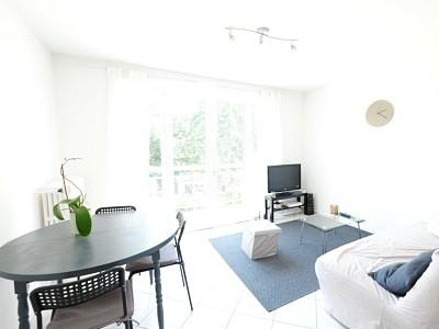 APPARTEMENT T3 A VENDRE - ST ETIENNE FAURIEL - 59,4 m2 - 67000 €