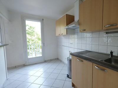 APPARTEMENT T3 A VENDRE - ST ETIENNE FAURIEL - 56,51 m2 - 75000 €