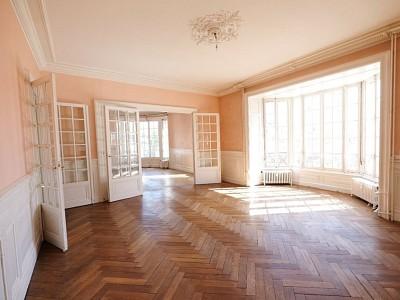 APPARTEMENT T7 A VENDRE - ST ETIENNE BADOUILLÈRE - 199,51 m2 - 250000 €