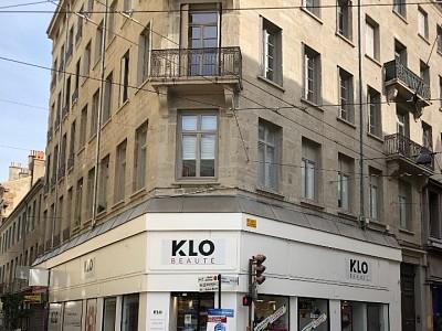 LOCAL COMMERCIAL A LOUER - ST ETIENNE CENTRE VILLE - 259 m2 - 3036 € HC par mois