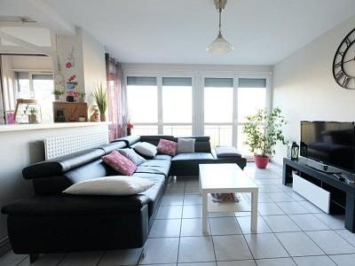 APPARTEMENT T6 A VENDRE - VILLARS - 104 m2 - 72000 €