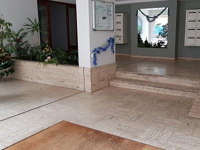 LOCAL COMMERCIAL A LOUER - ST ETIENNE CARNOT - 50 m2 - 350 € HC par mois