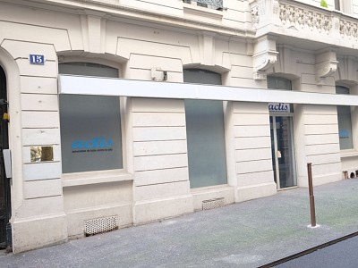 LOCAL COMMERCIAL A VENDRE - ST ETIENNE CENTRE VILLE - 129,45 m2 - 69000 €