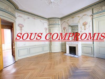 APPARTEMENT T8 A VENDRE - ST ETIENNE CENTRE VILLE - 238,19 m2 - 250000 €