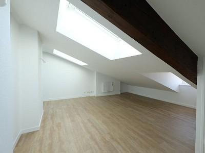 STUDIO A LOUER - ST ETIENNE CENTRE VILLE - 22,16 m2 - 270 € charges comprises par mois