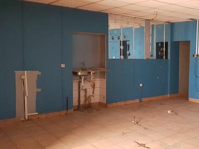 LOCAL COMMERCIAL A LOUER - ST ETIENNE BADOUILLÈRE - 95 m2 - 250 € HC par mois