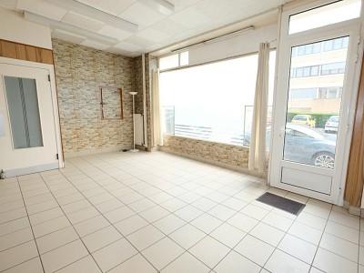 LOCAL COMMERCIAL A VENDRE - ST ETIENNE MONTPLAISIR - 51,79 m2 - 43000 €