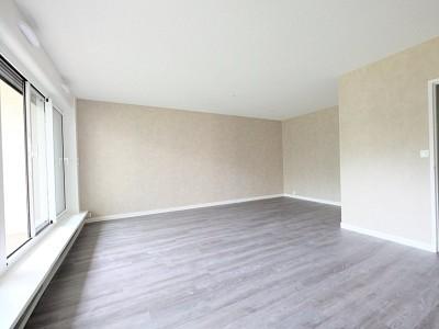 APPARTEMENT T1 A VENDRE - ST ETIENNE FAURIEL - 43,48 m2 - 65000 €