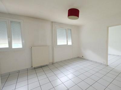 APPARTEMENT T2 A VENDRE - ST ETIENNE FAURIEL - 38,22 m2 - 55000 €