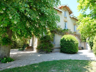 MAISON A VENDRE - AUREC SUR LOIRE - 275 m2 - 749000 €
