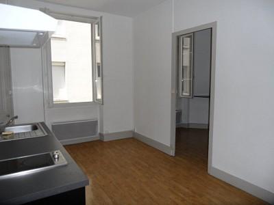 APPARTEMENT T1 A LOUER - ST ETIENNE CENTRE VILLE - 40,26 m2 - 315 € charges comprises par mois