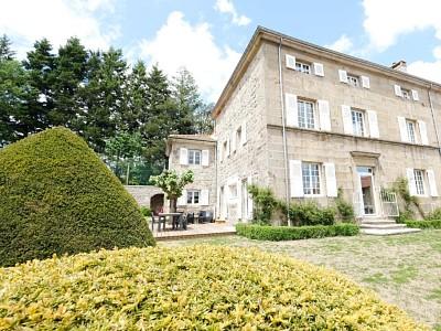 MAISON A VENDRE - ST GENEST MALIFAUX - 450 m2 - 495000 €