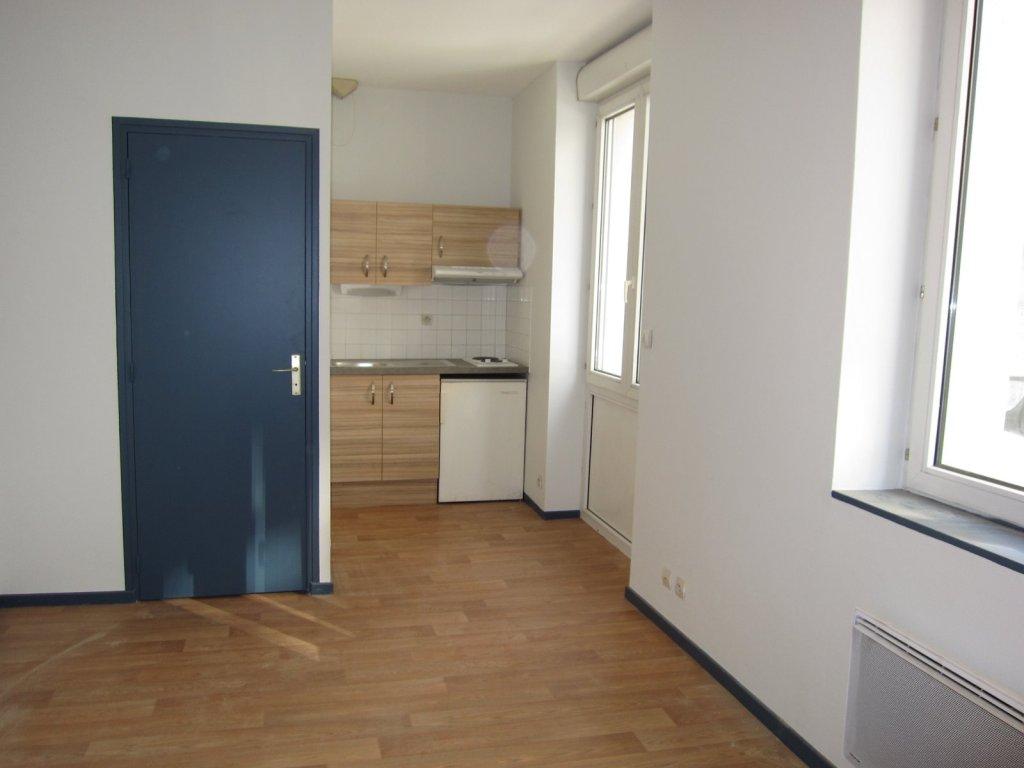 studio st etienne badouill re 20 m2 lou immobilier st etienne cabinet humbert. Black Bedroom Furniture Sets. Home Design Ideas