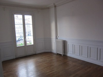 APPARTEMENT T2 A LOUER - ST ETIENNE HAUT DE JACQUARD - 54,79 m2 - 465 € charges comprises par mois