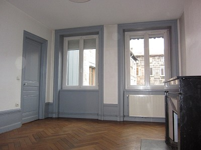 APPARTEMENT T2 A LOUER - ST ETIENNE CENTRE VILLE - 62,44 m2 - 430 € charges comprises par mois