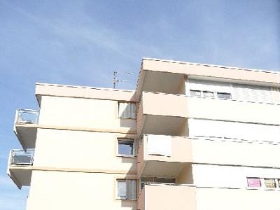 APPARTEMENT T2 A LOUER - ST ETIENNE FAURIEL - 47,39 m2 - 440 € charges comprises par mois