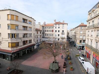 APPARTEMENT T2 A LOUER - ST ETIENNE PLACE GRENETTE - 45,36 m2 - 470 € charges comprises par mois