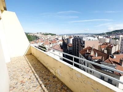 APPARTEMENT T2 A VENDRE - ST ETIENNE FACULTE / CENTRE DEUX - 57,59 m2 - 54000 €