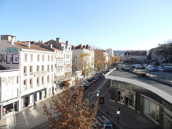 Appartement t2 st etienne centre ville 45 98 m2 lou for Location appartement atypique saint etienne
