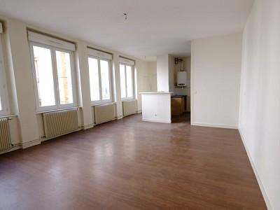 APPARTEMENT T3 A LOUER - ST ETIENNE CENTRE VILLE - 98 m2 - 570 € charges comprises par mois