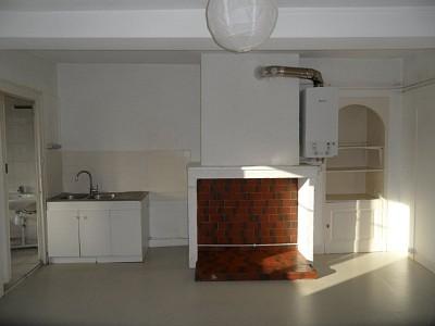 APPARTEMENT T3 A LOUER - ST ETIENNE CENTRE VILLE - 110,46 m2 - 520 € charges comprises par mois