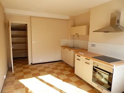 APPARTEMENT T2 A LOUER - ST ETIENNE FAURIEL - 68,55 m2 - 537 € charges comprises par mois