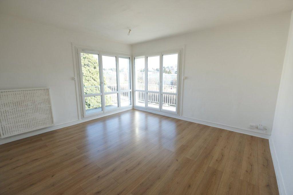 appartement t3 a louer st etienne fauriel 66 m2 560 charges comprises par mois. Black Bedroom Furniture Sets. Home Design Ideas