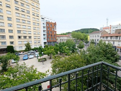 APPARTEMENT T4 A LOUER - ST ETIENNE CENTRE VILLE - 101,81 m2 - 945 € charges comprises par mois