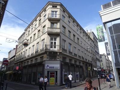 APPARTEMENT T4 A LOUER - ST ETIENNE CENTRE VILLE - 134,86 m2 - 790 € charges comprises par mois