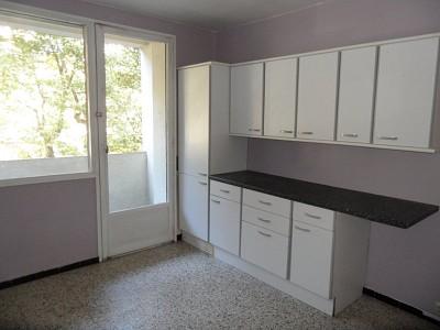 APPARTEMENT T4 A LOUER - ST ETIENNE FAURIEL - 113,11 m2 - 820 € charges comprises par mois