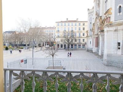 APPARTEMENT T4 A LOUER - ST ETIENNE PLACE JEAN JAURES - 76,6 m2 - 600 € charges comprises par mois