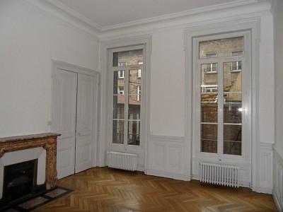 APPARTEMENT T4 A LOUER - ST ETIENNE PREFECTURE - 139,49 m2 - 995 € charges comprises par mois