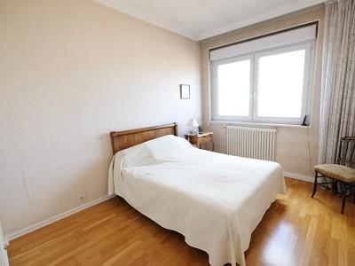 APPARTEMENT T5 A VENDRE - ST ETIENNE FACULTE / CENTRE DEUX - 119,23 m2 - 135000 €