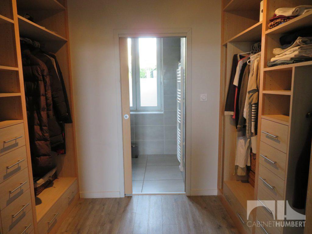 maison a vendre le chambon feugerolles 200 m2 250000 immobilier le chambon feugerolles. Black Bedroom Furniture Sets. Home Design Ideas