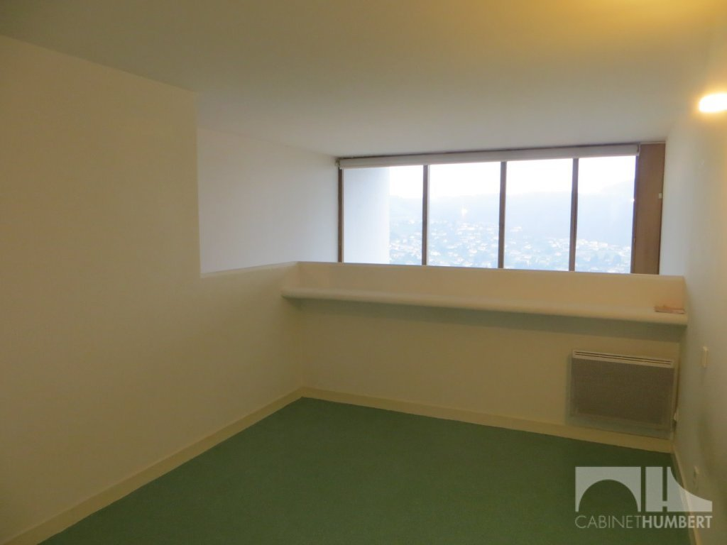 APPARTEMENT T4 A VENDRE - FIRMINY - 111 m2 - 83 900 €