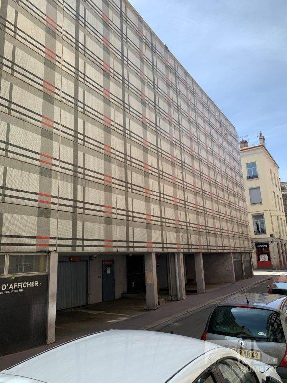 GARAGE A LOUER - ST ETIENNE CENTRE VILLE - 68 € charges comprises par mois