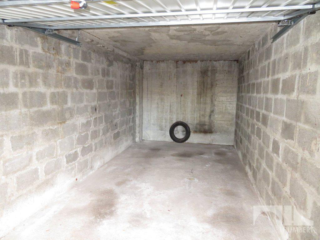garage st etienne montplaisir vendu immobilier st etienne cabinet humbert agence. Black Bedroom Furniture Sets. Home Design Ideas
