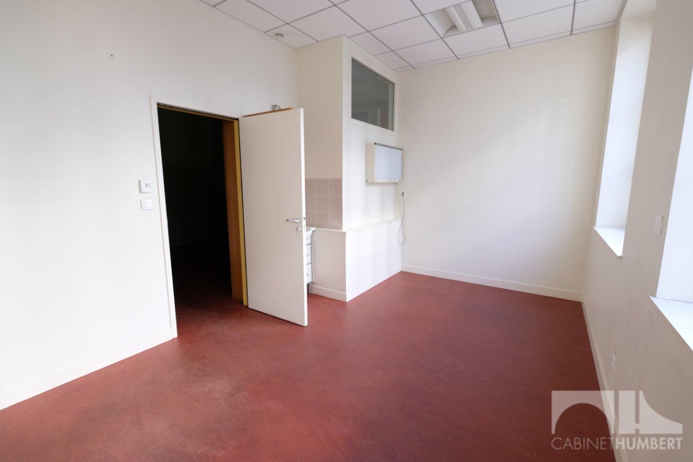 LOCAL COMMERCIAL A LOUER - ST ETIENNE CENTRE VILLE - 99 m2 - 109,09 € HC/m<sup>2</sup>/an
