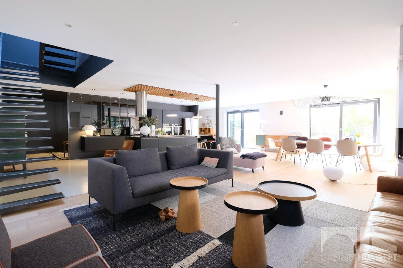 LOFT A VENDRE - FRAISSES - 271,89 m2 - 395000 €