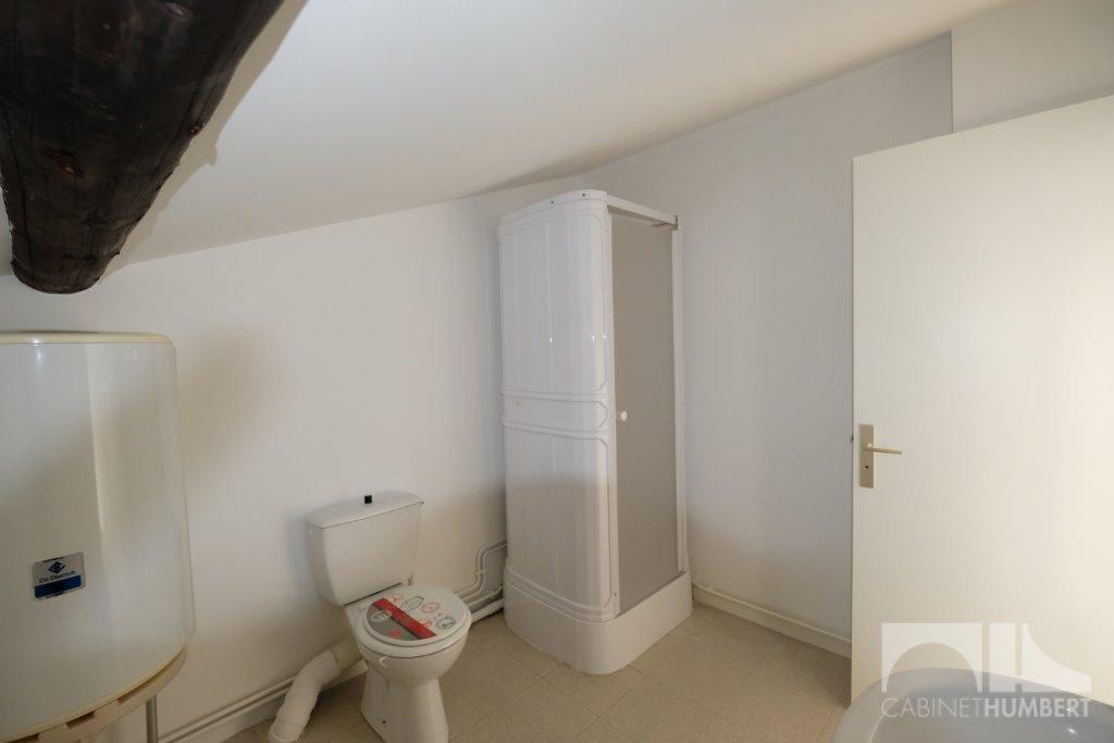 studio a louer st etienne badouill re 28 m2 250 charges comprises par mois immobilier. Black Bedroom Furniture Sets. Home Design Ideas