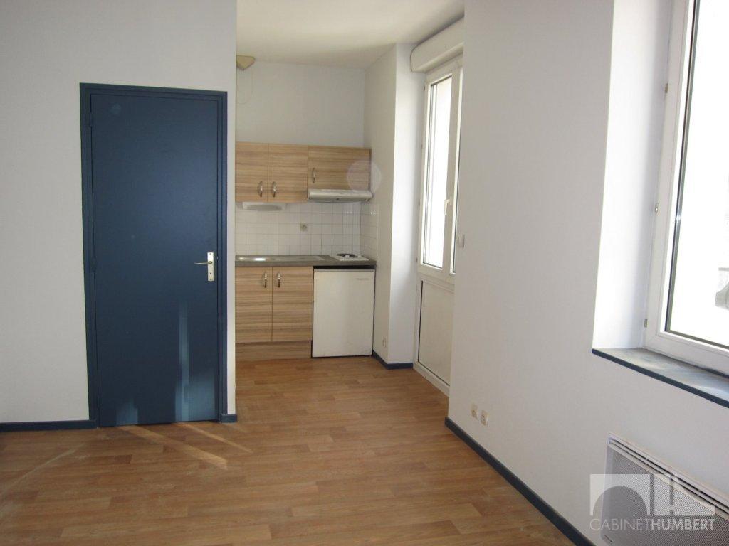 STUDIO - ST ETIENNE BADOUILLERE - 16,58 m2 - LOUÉ