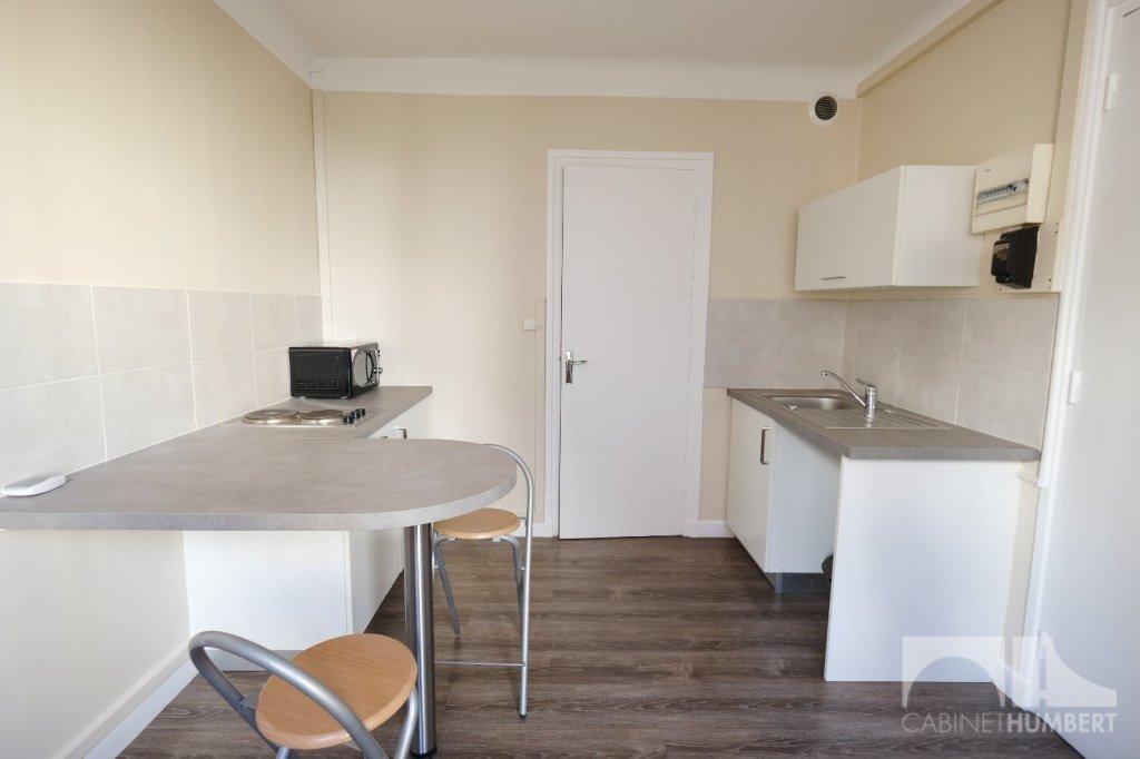 STUDIO A LOUER - ST ETIENNE BADOUILLÈRE - 30 m2 - 316 € charges comprises par mois