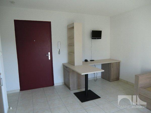 STUDIO A LOUER - ST ETIENNE BELLEVUE - 20 m2 - 290 € charges comprises par mois